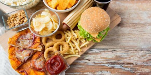 Cari Tempat Makan Asyik? Cobain 5 Aplikasi Berburu Kuliner Ini